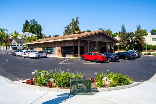 Commercial for Sale at 22301 Mulholland 22301 Mulholland Calabasas, California 91302 United States