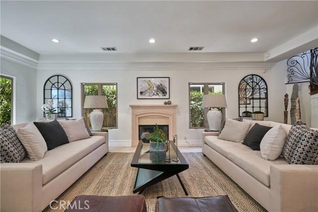 22137 Avenue San Luis, Woodland Hills CA: http://media.crmls.org/mediascn/ba1d8c84-ead0-49b1-8a2c-2d4fee30aa65.jpg