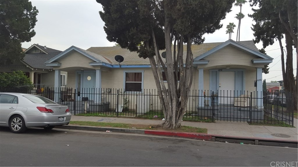 1056 W 42ND Place, Los Angeles (City), CA 90037