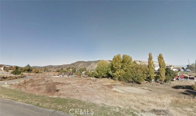 15229 Rimford Dr Drive, Lake Hughes CA: http://media.crmls.org/mediascn/ba478a09-ef4c-48d1-91d7-9fa2d6356a15.jpg
