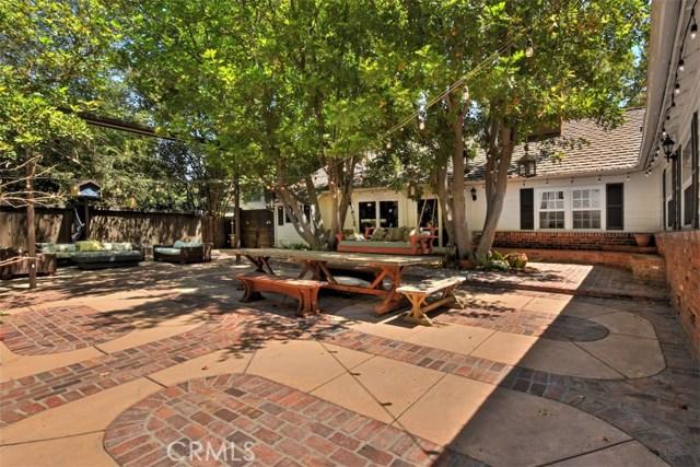 15531 Del Gado Drive, Sherman Oaks CA: http://media.crmls.org/mediascn/ba84959b-c15b-4c4a-aba7-896b02a4a60d.jpg