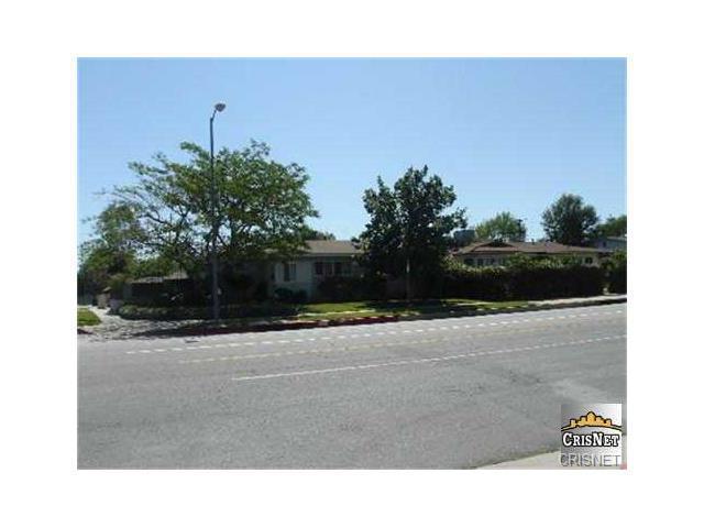 6139 Tampa Avenue Tarzana CA  91335