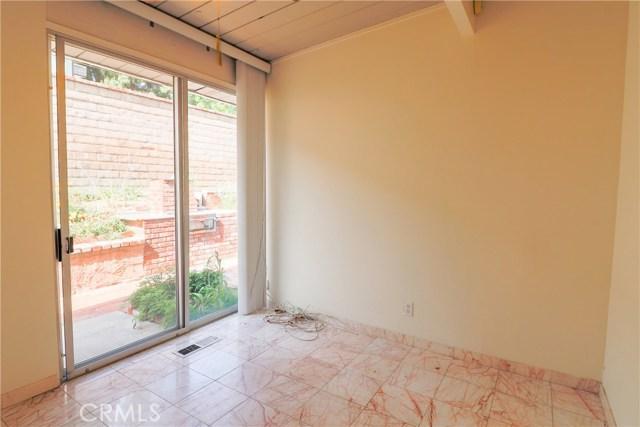 12662 Jimeno Avenue, Granada Hills CA: http://media.crmls.org/mediascn/bb33fc9d-467b-484a-b191-d32284295aa1.jpg