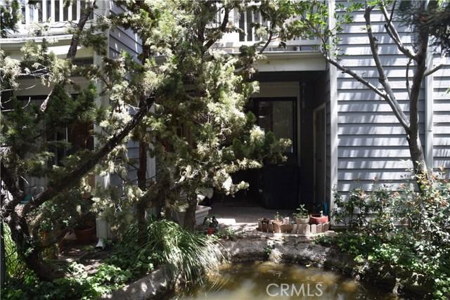 633 Arneill Road, Camarillo CA: http://media.crmls.org/mediascn/bb371873-9ad7-41f4-b673-0999c3dec2a8.jpg