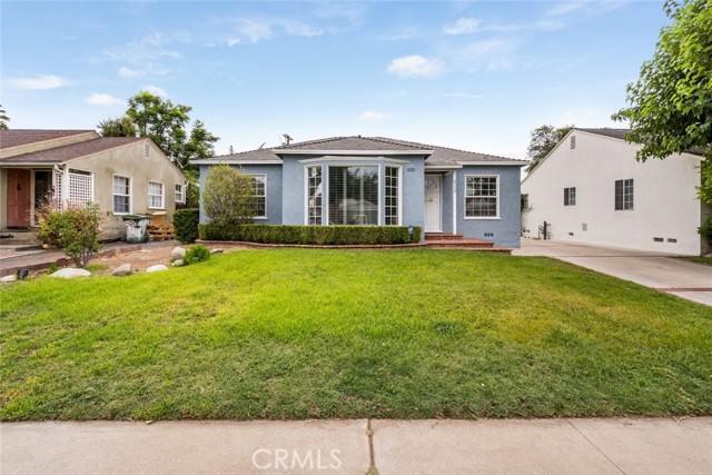 6550 Mclennan Avenue, Lake Balboa CA: http://media.crmls.org/mediascn/bb5977d8-f7c4-4de2-a11a-1869c3b408de.jpg