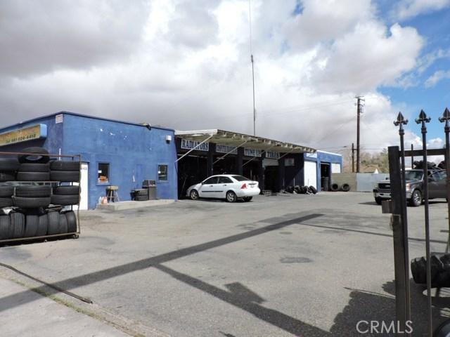 零售 为 销售 在 15736 Sierra Mojave, 93501 美国