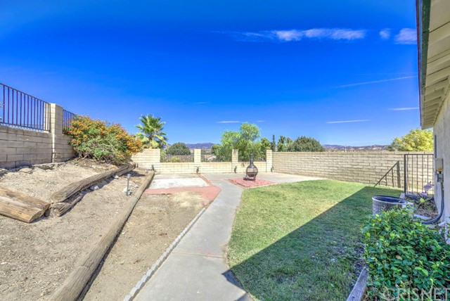 28015 Fox Run Circle Castaic, CA 91384 - MLS #: SR18230082