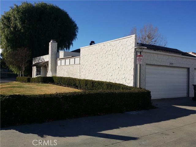 Property for sale at 24229 La Glorita Circle, Newhall,  CA 91321