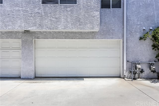 17736 Superior Street, Northridge CA: http://media.crmls.org/mediascn/bbd96e2b-30e9-4de1-bf42-f459b61a2de2.jpg