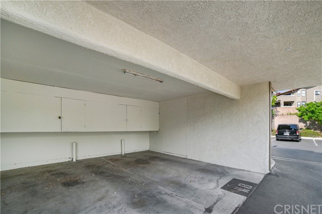 74 Maegan Place, Thousand Oaks CA: http://media.crmls.org/mediascn/bbdc2aa5-b19e-4b97-9bac-b4a85ce93b4a.jpg