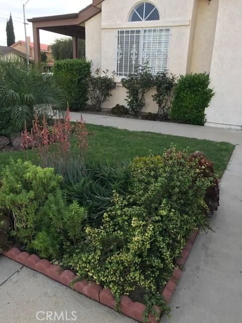 Single Family Home for Sale at 8001 Quakertown Avenue Winnetka, California 91306 United States