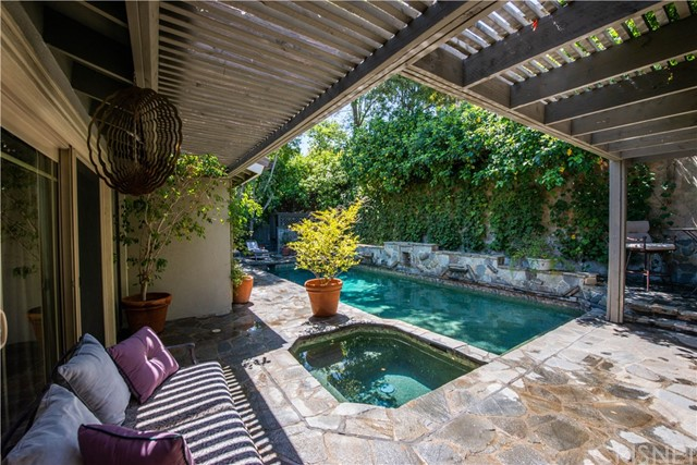 16240 Dickens Street Encino, CA 91436 - MLS #: SR18139397