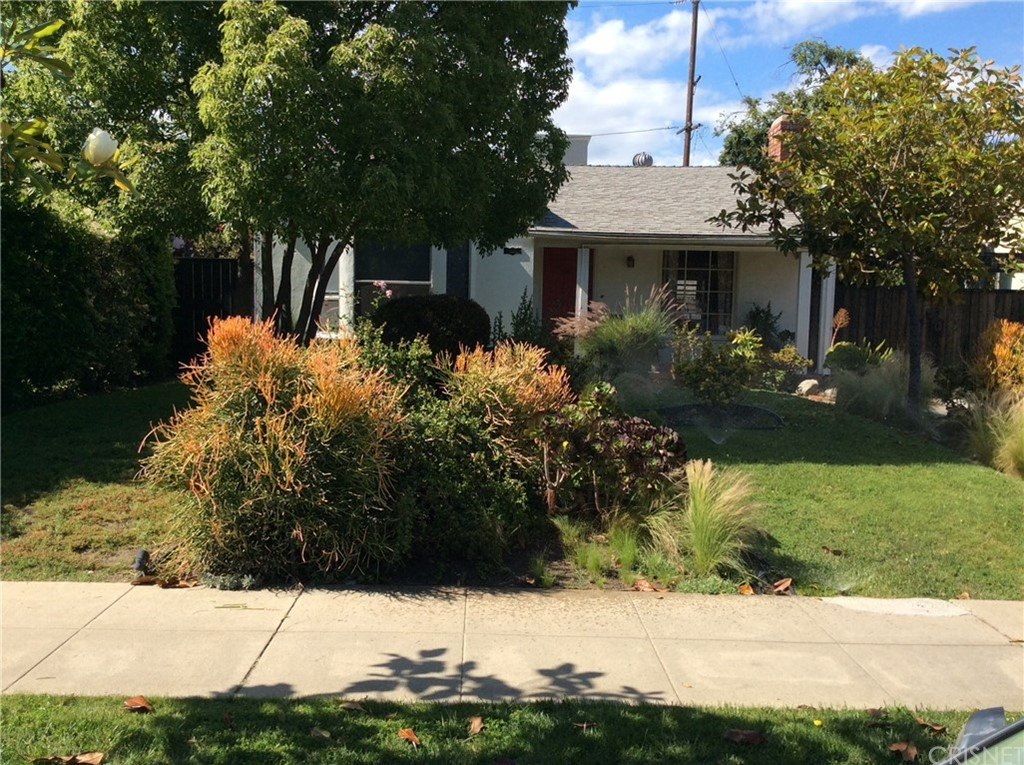 Photo of 10853 HARTSOOK STREET, North Hollywood, CA 91601