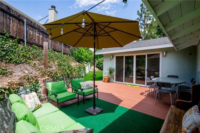 5000 Lauderdale Avenue, La Crescenta CA: http://media.crmls.org/mediascn/bc9531e3-3848-4357-821c-3e56438a1e20.jpg