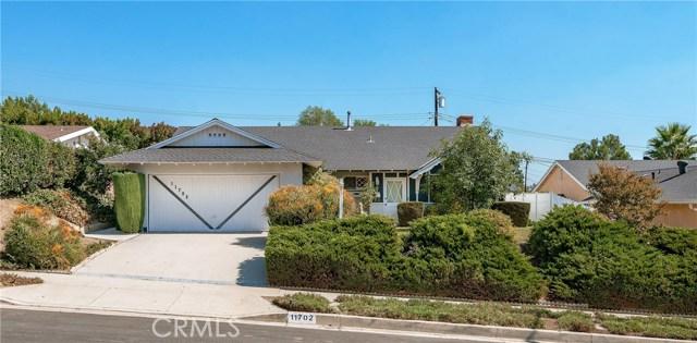 11702 Monogram Avenue, Granada Hills CA: http://media.crmls.org/mediascn/bd0062d6-a693-4dbb-a315-10421228439c.jpg