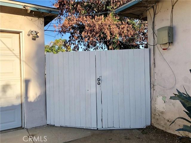 8528 Tilden Avenue, Panorama City CA: http://media.crmls.org/mediascn/bd028751-0498-48ac-81f0-0cf664f8341d.jpg