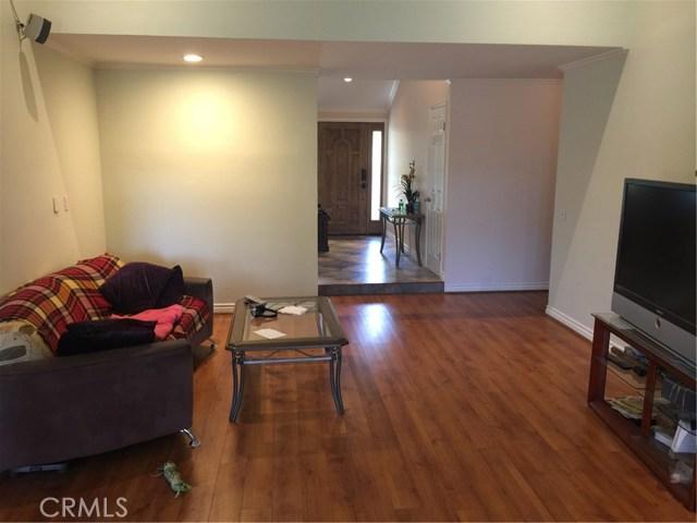 6305 Timberlane Street, Agoura Hills CA: http://media.crmls.org/mediascn/bd16c071-cf50-4d22-8202-4680c461edcd.jpg