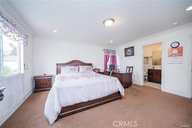 2422 Gatewood Street, Los Angeles CA: http://media.crmls.org/mediascn/bd47dc74-2fd9-4412-b1f7-d39dbfc67546.jpg