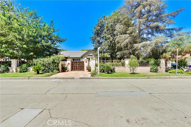 11255 Kling Street, Toluca Lake, CA 91602