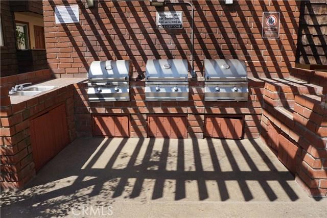 5400 Newcastle Avenue, Encino CA: http://media.crmls.org/mediascn/bdac95d3-bbbe-44a6-8ea3-b504995352d4.jpg