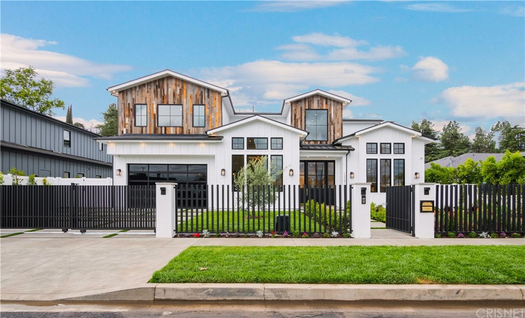 Photo of 13347 MARGATE Street, Sherman Oaks, CA 91401
