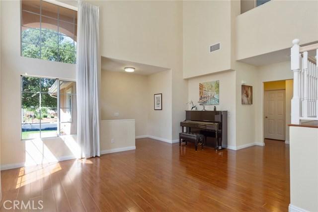 1399 Oak Trail Street, Thousand Oaks CA: http://media.crmls.org/mediascn/bdcbbd7a-a9ea-4268-bcbf-390f6f9e0be4.jpg