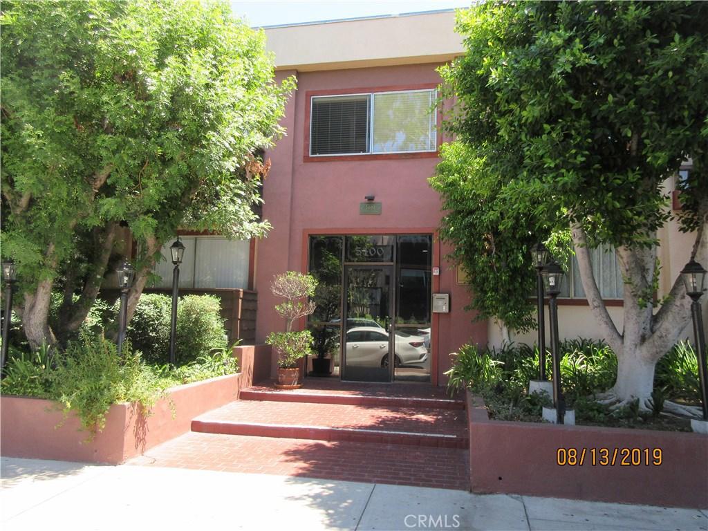 Photo of 5400 NEWCASTLE AVENUE #35, Encino, CA 91316