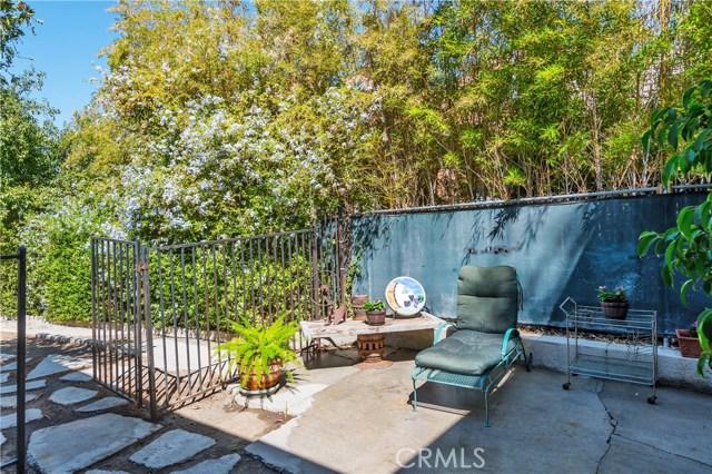 22133 Mulholland Drive, Woodland Hills CA: http://media.crmls.org/mediascn/bde57014-ccb0-41cb-a1ce-56e79f8908ef.jpg