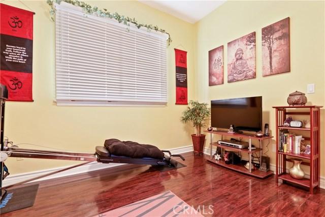 5340 Corbin Avenue, Tarzana CA: http://media.crmls.org/mediascn/bdf76e42-65a1-4d5a-8aa4-6893d90a7c30.jpg