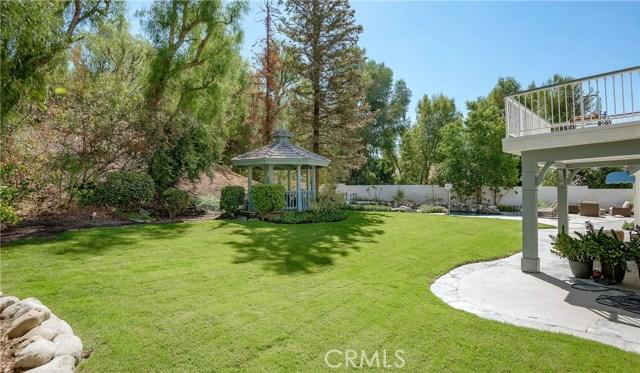 11900 Andasol Avenue, Granada Hills CA: http://media.crmls.org/mediascn/be1772fd-a79a-4f72-952e-65b2e26d80de.jpg