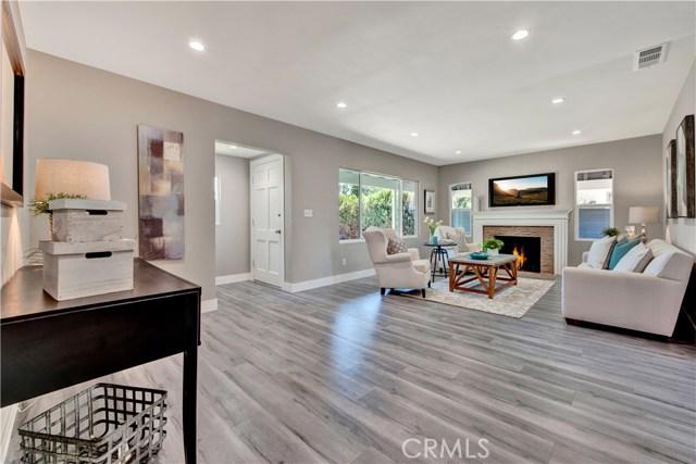 6633 Costello Avenue, Valley Glen CA: http://media.crmls.org/mediascn/be2c707e-ddf4-405b-8fc7-7e8cf1d03ffb.jpg