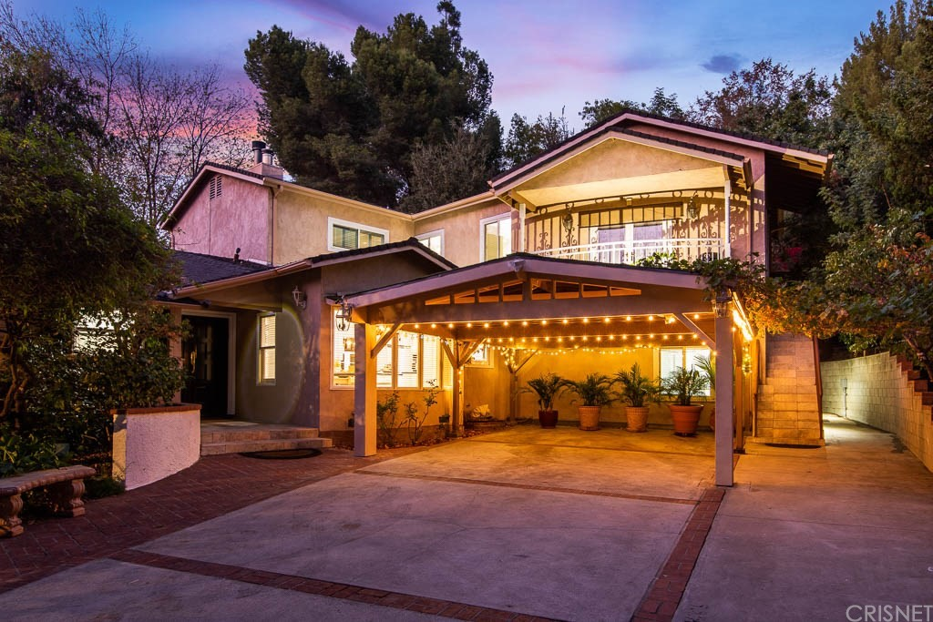 Photo of 3601 DELLVALE Place, Encino, CA 91436