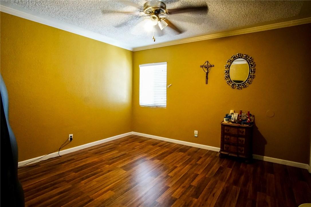 13059 Dronfield Avenue, Sylmar CA: http://media.crmls.org/mediascn/be56c02b-5388-4f9a-891c-fa1d97ac471a.jpg