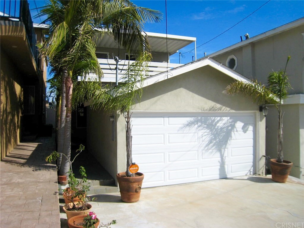 Photo of 1102 HARPER Avenue, Redondo Beach, CA 90278