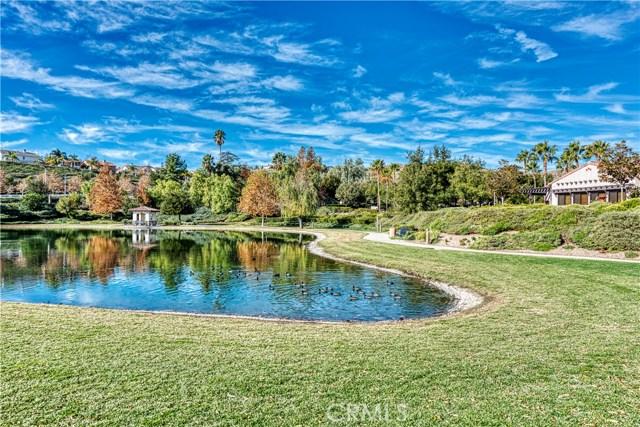 23657 Marion Way, Valencia CA: http://media.crmls.org/mediascn/bf04e349-64ac-4b46-a602-869dc10205fd.jpg