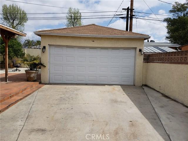 9656 Sandusky Avenue, Arleta CA: http://media.crmls.org/mediascn/bf175412-6687-439c-b2cf-f3b98205b05d.jpg