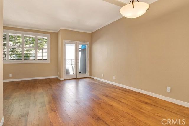 240 S Mentor Avenue, Pasadena CA: http://media.crmls.org/mediascn/bf337909-20ee-42cb-a768-3d8c5d342550.jpg