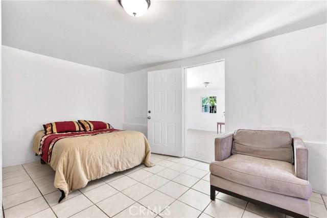 3391 Haven Street, Rosamond CA: http://media.crmls.org/mediascn/bf36491c-d699-4feb-adf8-e4c6a7e86c46.jpg