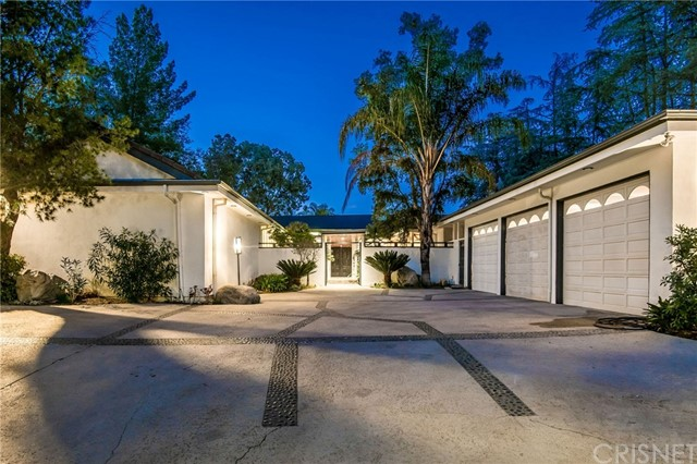 Photo of 4804 Queen Florence Lane, Woodland Hills, CA 91364