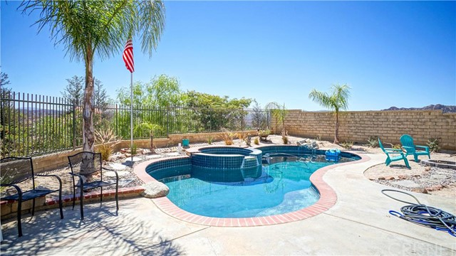 Property for sale at 27702 Wilderness Place, Castaic,  CA 91384