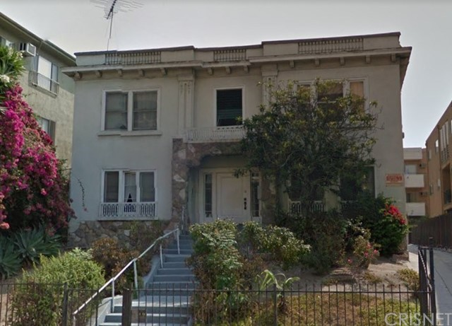 420 S Berendo Street, Los Angeles CA: http://media.crmls.org/mediascn/bff83edf-203d-4e72-a0ad-87c7e9df261d.jpg