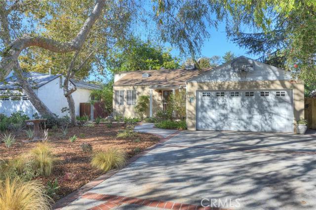 4837 Arcola Avenue, North Hollywood, CA 91601