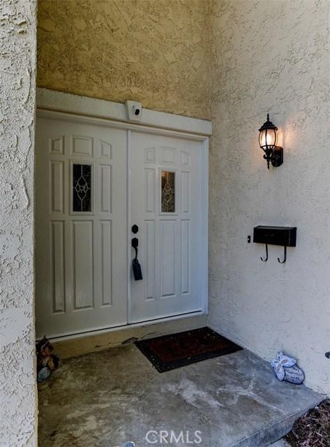 21622 Rose Lee Court, Saugus CA: http://media.crmls.org/mediascn/c0300ca0-8055-4c58-af7b-c29f75242b35.jpg