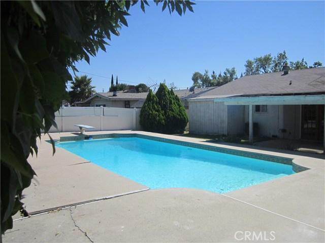 6624 Gross Avenue, West Hills CA: http://media.crmls.org/mediascn/c03cda8f-a3c4-4b25-ac2f-b19d82058b8e.jpg
