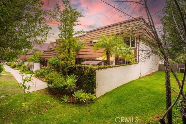 22350 Germain Street, Chatsworth CA: http://media.crmls.org/mediascn/c03fb51d-26e2-49eb-ad6c-5027de1ee315.jpg