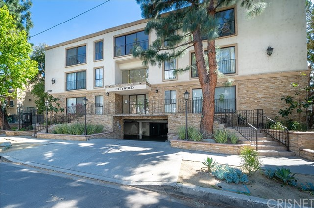 Photo of 15344 Weddington Street #113, Sherman Oaks, CA 91411