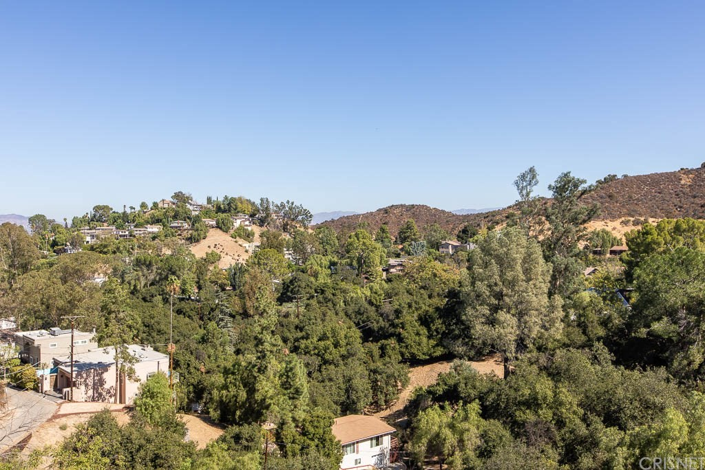 4250 ALHAMA Drive, Woodland Hills, CA 91364