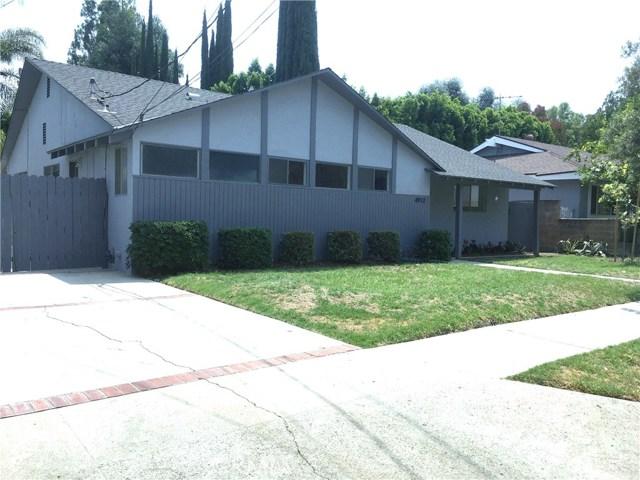 4912 Swinton Avenue, Encino CA: http://media.crmls.org/mediascn/c0f45f04-40de-49a5-b12c-e7a7f7750c2e.jpg