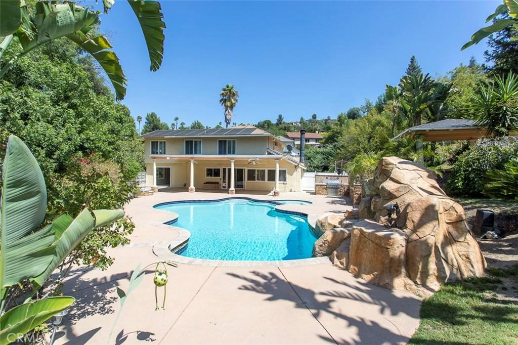 4501 DEANWOOD Drive, Woodland Hills, CA 91364
