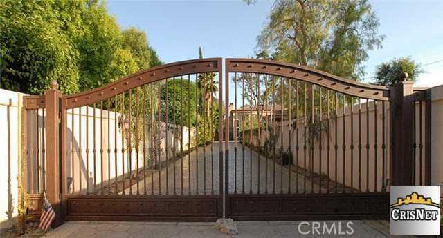 22850 Collins Street, Woodland Hills CA 91367